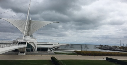 Milwaukee Museum of Art & Lake Michigan